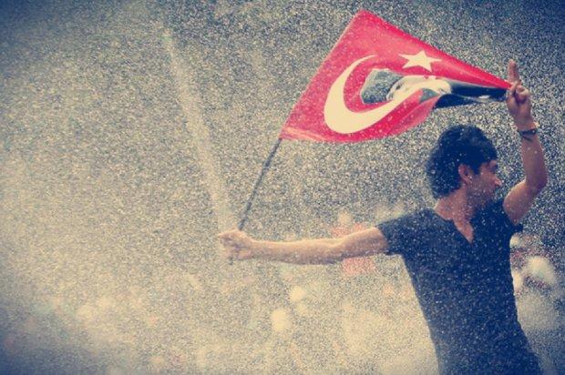 turchia-piazza-taksim-scontri-5