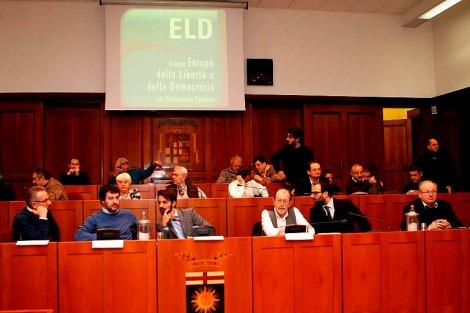 http://iltalebano.files.wordpress.com/2013/12/convegno-salvini-de-benoist.jpg?w=470&h=313